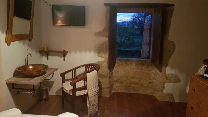 vistas espectaculares dormitorio casa rustica galicia