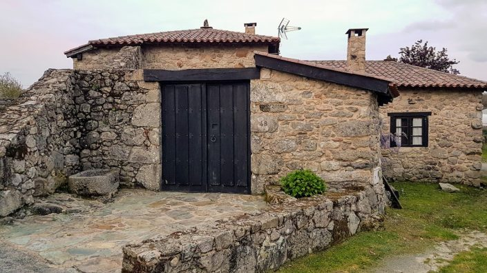 entrada casa rural de corveixe