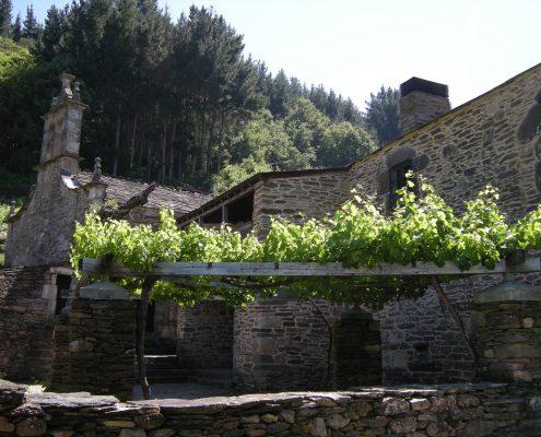 iglesia rural cerca de corveixe