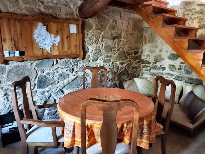 armario de madera casa rustica ribeira sacra