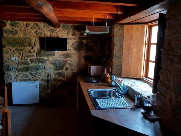 cocina casa rustica ribeira sacra