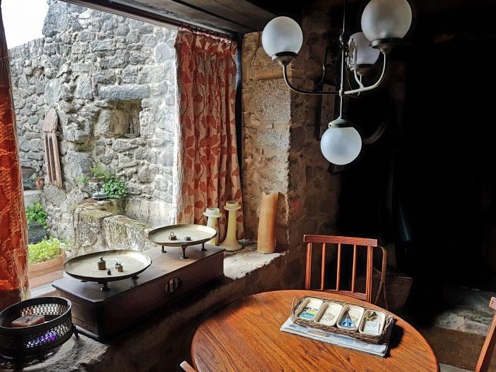 vistas desde ventana en casa rustica en corveixe