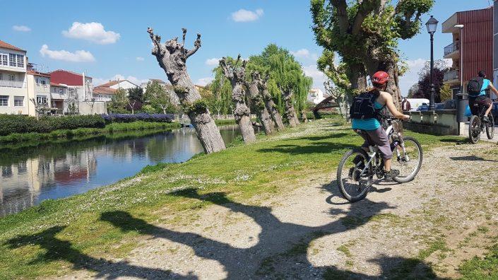 ruta en bici para ver pueblo de corveixe en galicia